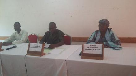 Directeur général de la faune et de la flore, M. Paul Djigimde; Secrétaire permanente du CNDD, Mme Hawa Sary; Et le Coordonnateur national de l'ONU CC: Apprendre, Mahamoudou Tiendrebeogo.