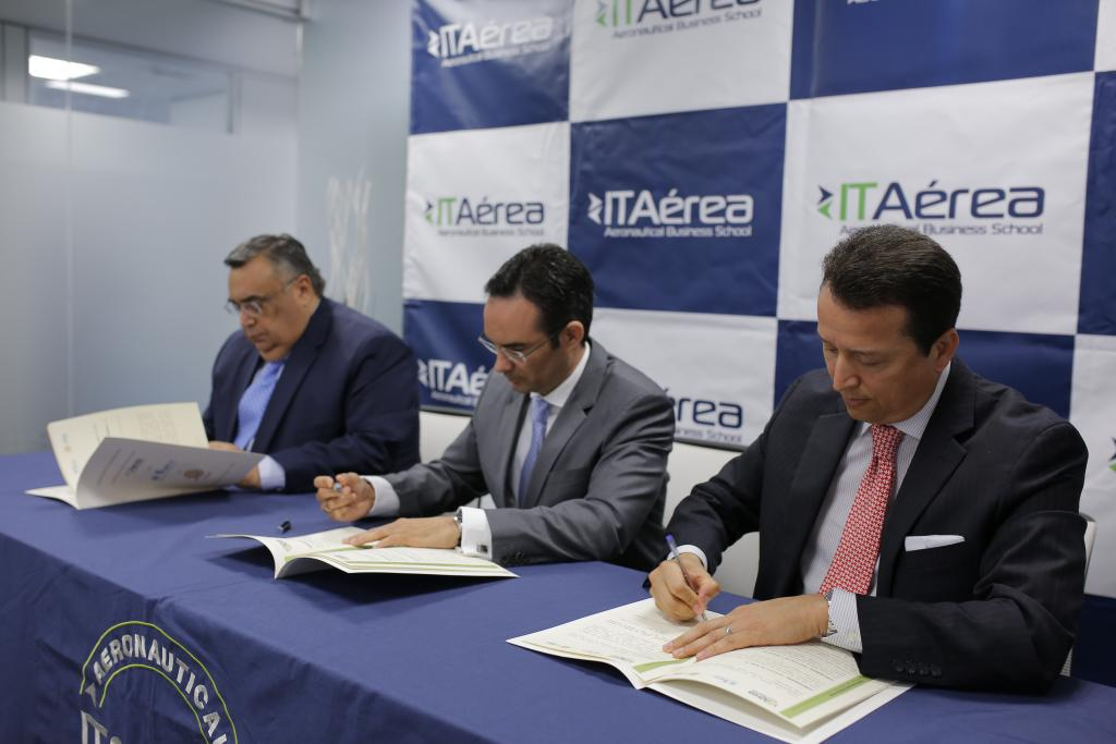 Signing ceremony ITAérea, UNITAR and CIFAL Mérida